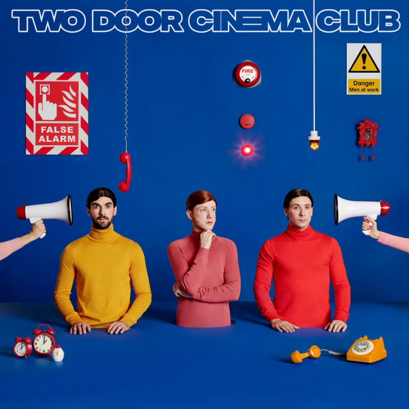 "TWO DOOR CINEMA CLUB PREZENTUJE TELEDYSK DO ""ONCE"""